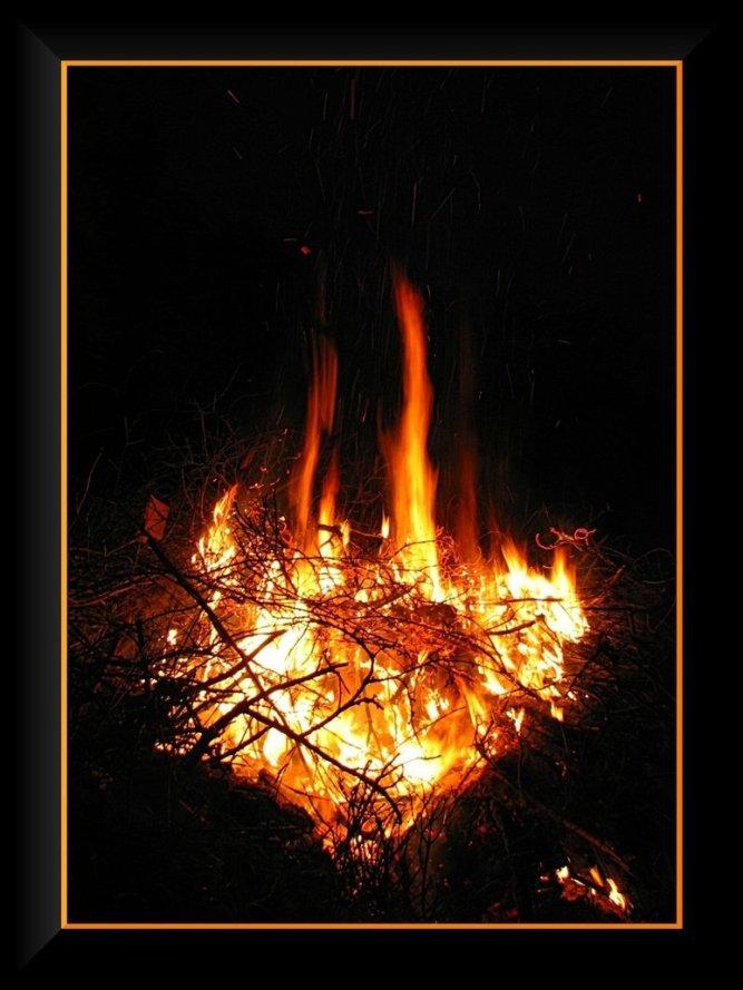 my_burning_heart____by_yancis-d3jttf3