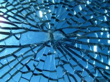 broken_glass-resized50