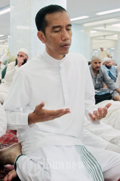 Haji_Jokowi_Menjalankan_Ibadah_Umrah_di_Madinah_9533
