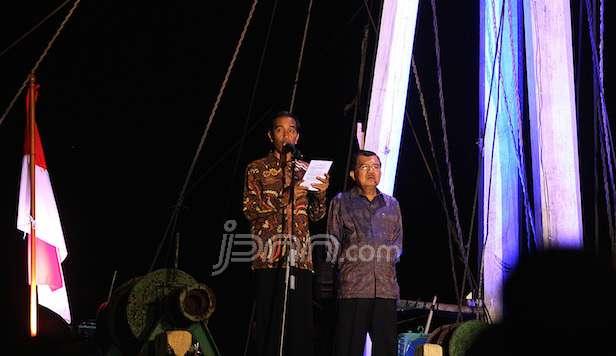 Jokowi pinisi